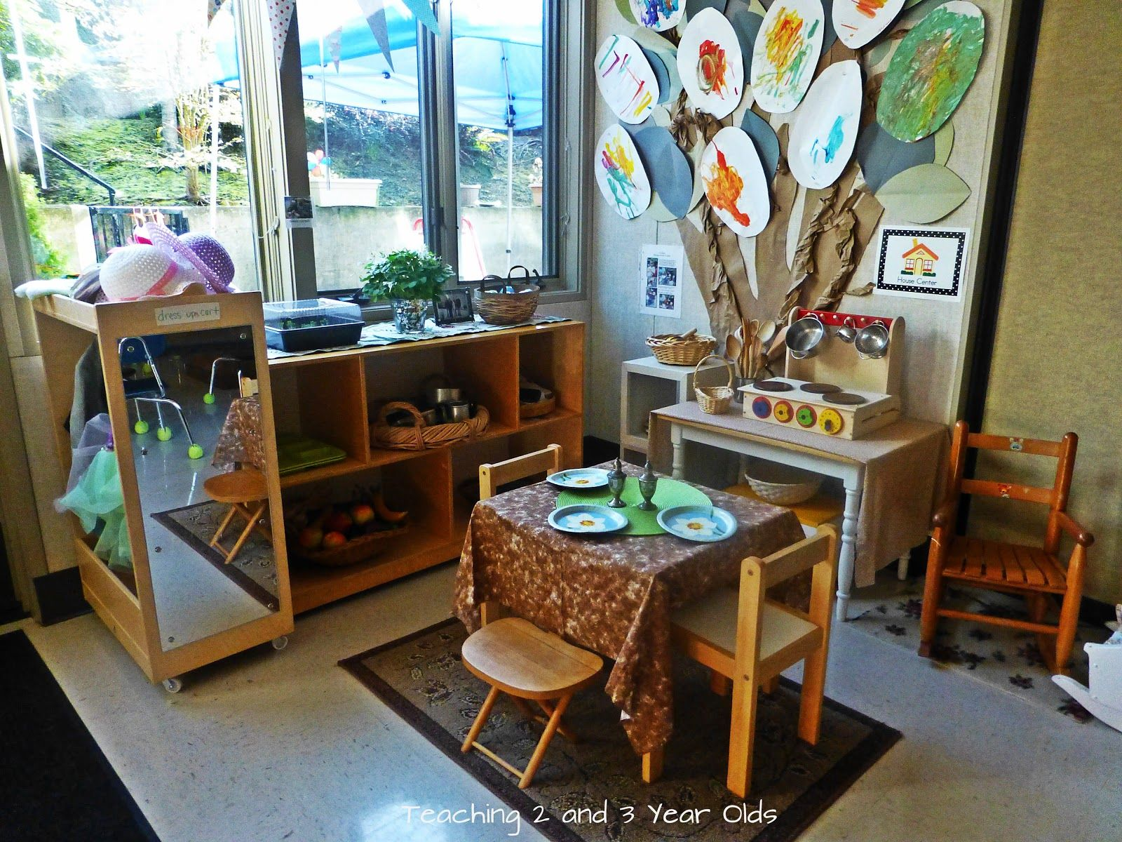 Teaching 2 and 3 Year Olds: Adding Natural Materials to the Classroom