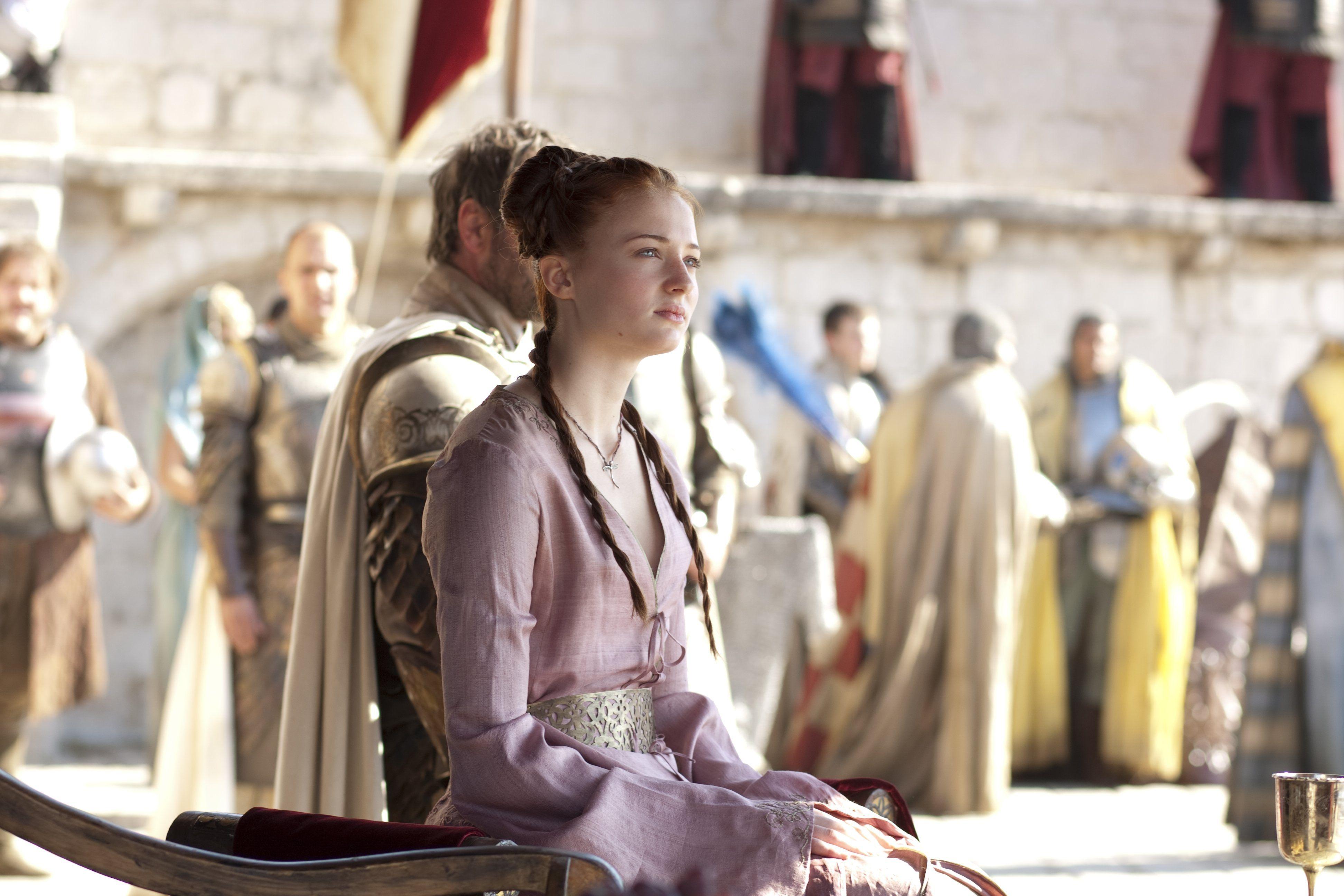 Sansa robe rose