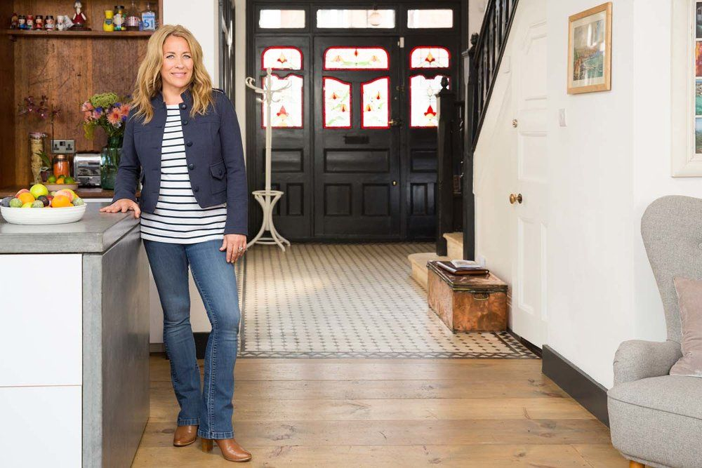 How To De Stress Your House Sale By Sarah Beeny The Pink House London Mansion Mansions For Sale Sale House