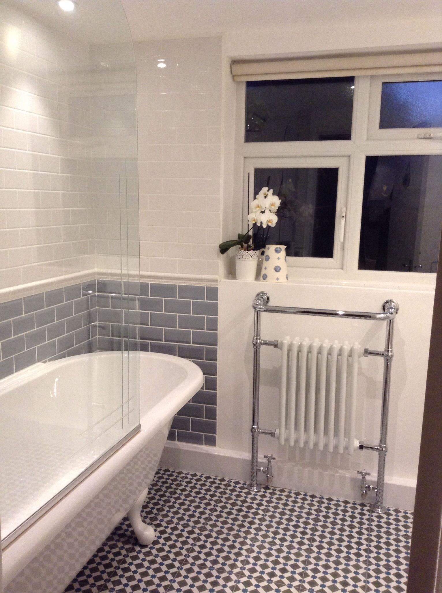 Grey And White Bathroom En Suite Pinterest Anglais Esprit Et