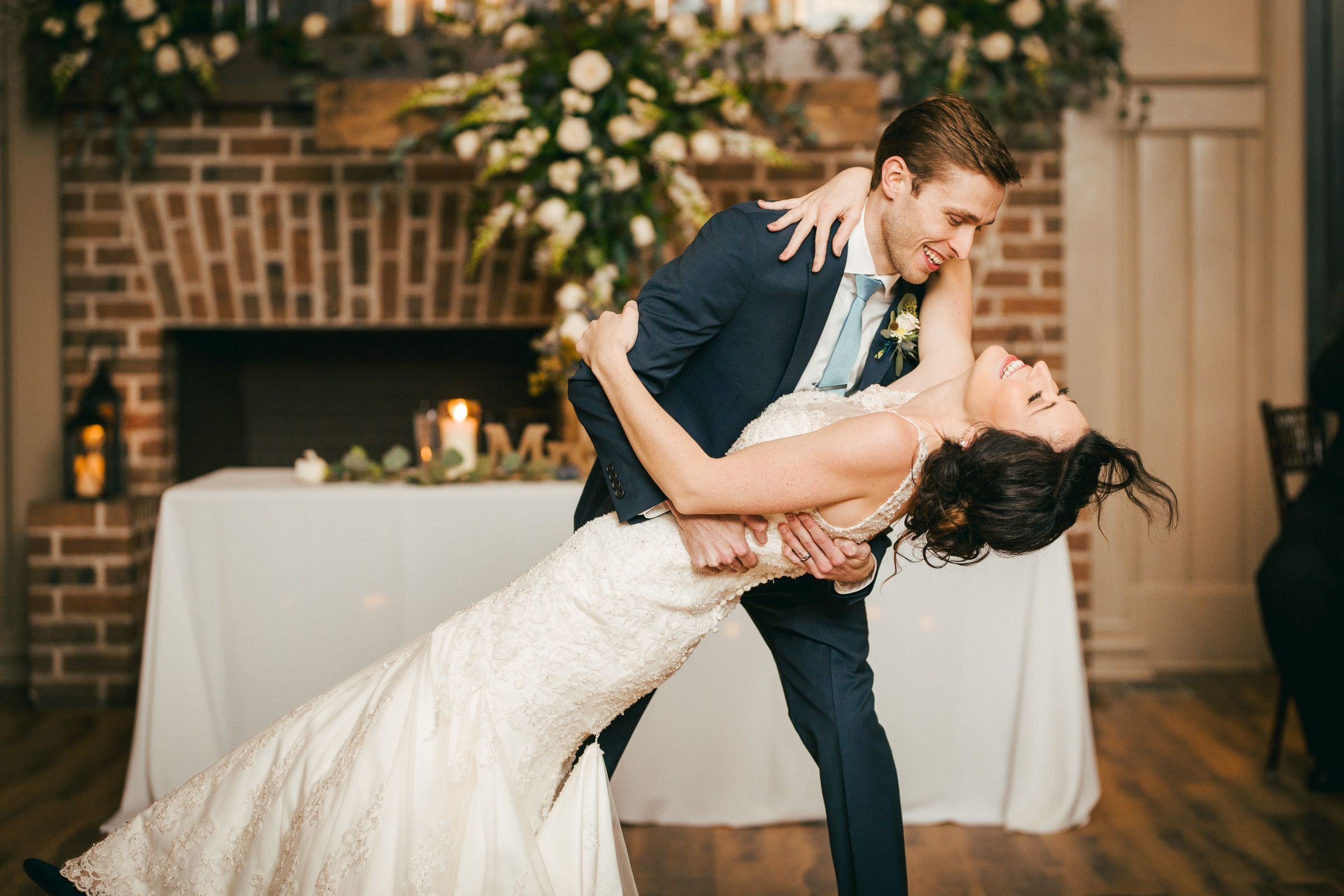 Bright And Vivid Wedding Photography By Charleston Sc Wedding Photographer And Bustld Vette Wedding Photography Inspiration Wedding Photographers Wedding Scene