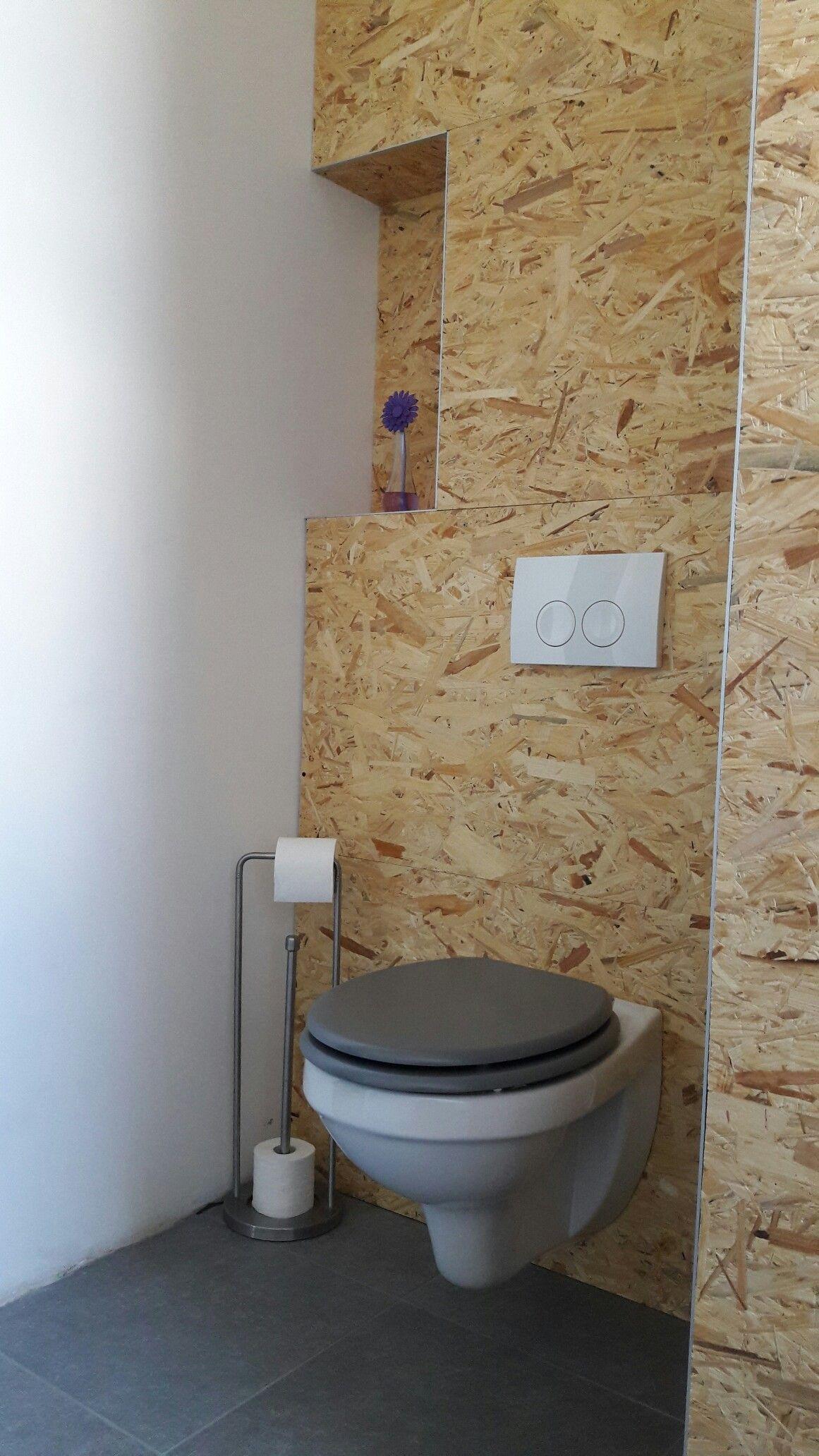 Toilette mur en OSB  Osb, Deco salle de bain, Salle de bain