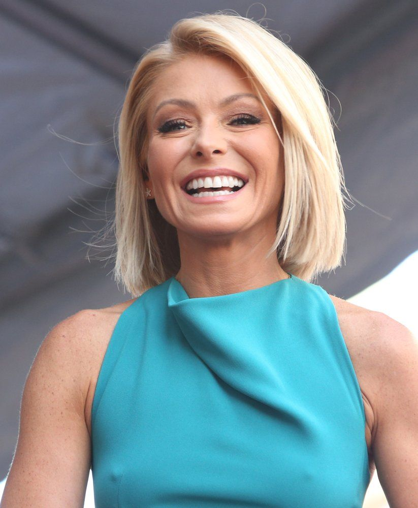 Kelly Ripa Picture 92 Kelly Ripa Honored With Star On The Hollywood Walk Of Fame Kelly Ripa Hair Kelly Ripa Bikini Bob Hairstyles