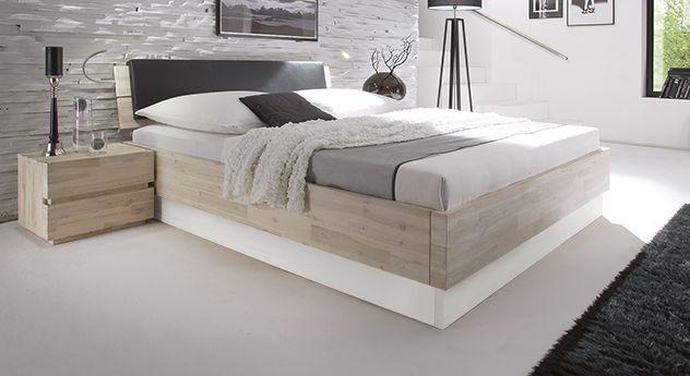 modernes akazienbett imperia mit wei em sockel schlafzimmer pinterest. Black Bedroom Furniture Sets. Home Design Ideas