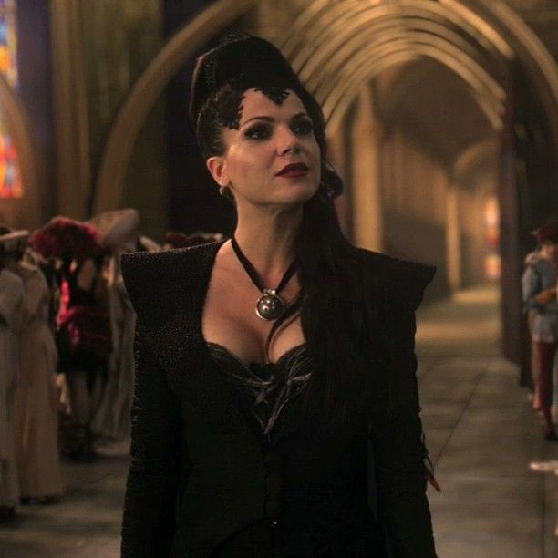 Pilot Episode. | Evil queen, Once upon a time, Evil queens