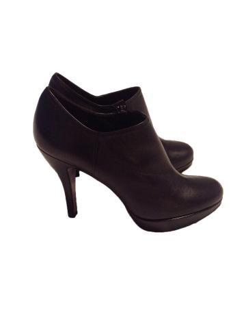 c116d81fc02ea Zapato abotinado negro Sacha London Zapatos Abotinados Mujer