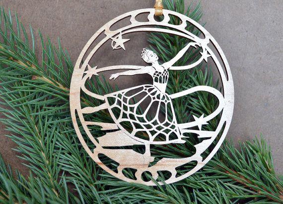5 Golden Rings ornament woodcut design 5 Interlocking Rings decoration
