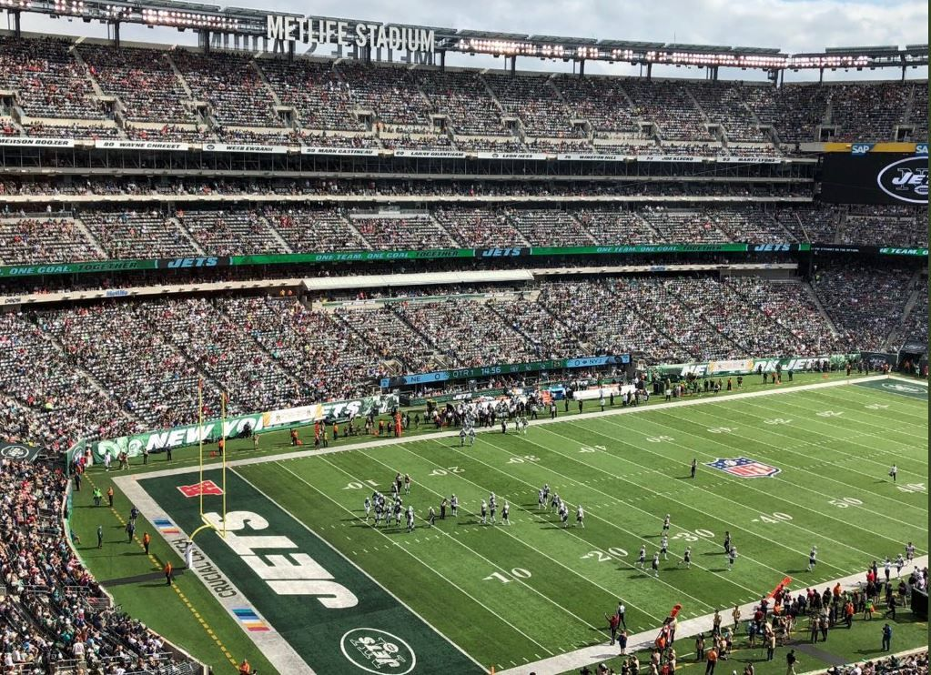 Two savvy social media users shared pictures of NFL's Week 6 stadium attendance — and what they contained is shocking. If NFL owners weren't panicking before, they will be after the devastating impact of the conservative boycott is shared around the country. Snowflake liberals can't survive...