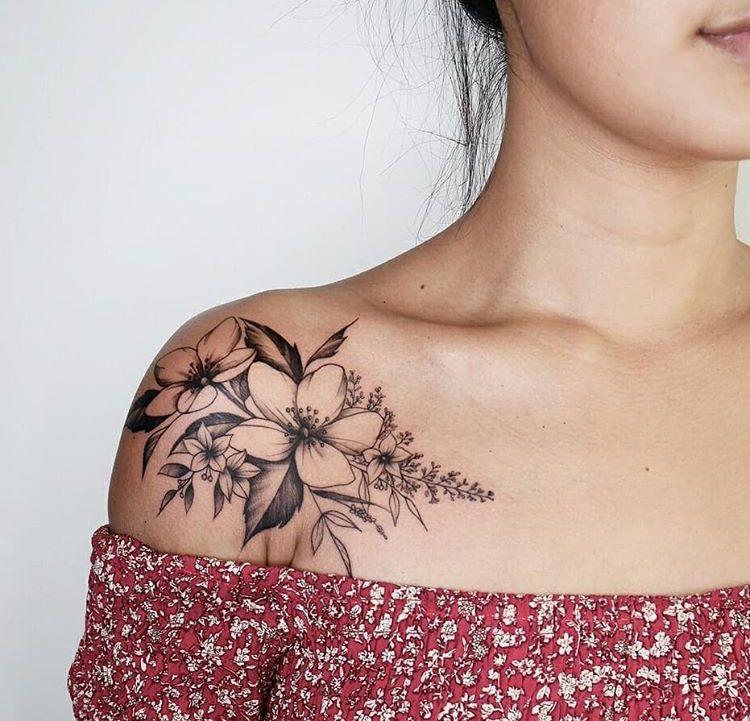 Flower Shoulder Tattoo: Collar Bone Tattoo, Trendy