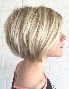 Chic Stacked Bob Haircuts That We Love Http Www Short Haircut Com Chic Stacked Bob Haircuts That We Love Htm Coupe De Cheveux Cheveux Cheveux Courts Blonds