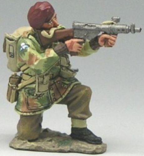 World War II British Army MG020 British Airborne Kneeling Firing Sten Gun - Made…