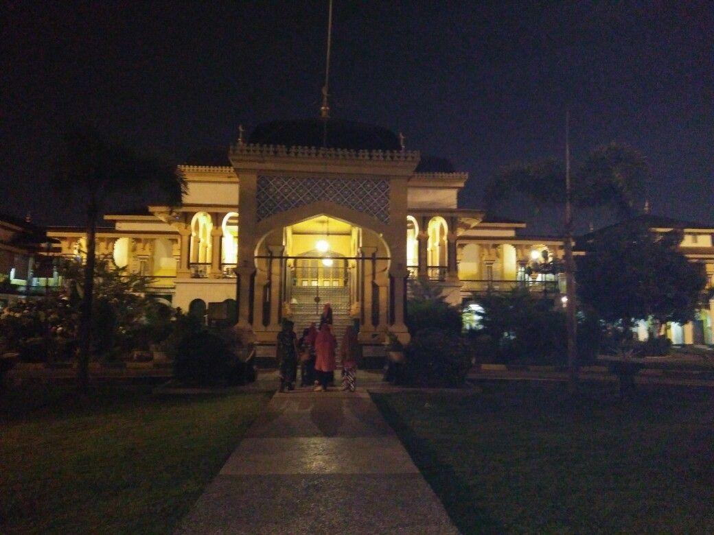 Maemun palace in the night #Medan #NorthSumatera