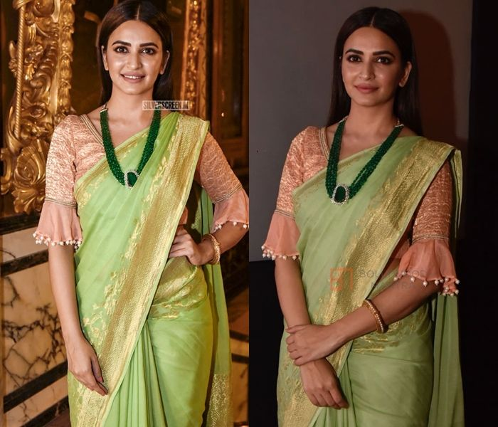 2eb3ca41d56f01 banarasi saree blouse designs Blouse Back Neck Designs, Sari Blouse Designs,  Kasavu Saree,