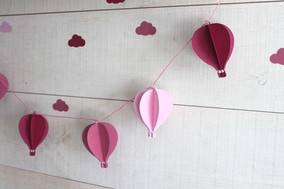 Guirlande de 6 montgolfi res pour d corer une chambre de b b ou une baby shower tons de rose - Decorer une chambre bebe ...