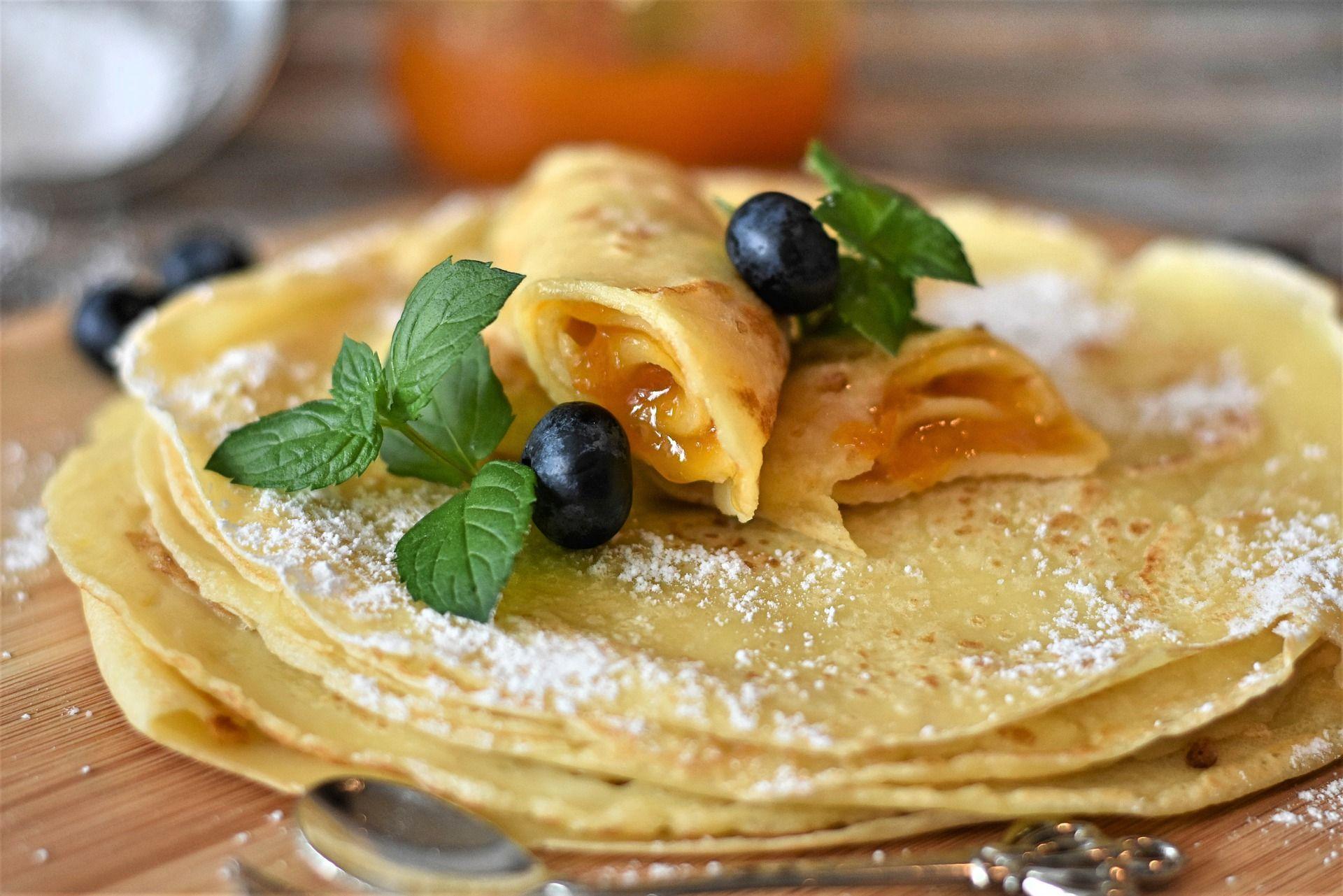 Receta Fácil Y Rápida Para Preparar Panqueques Tanto Para Platos Dulces Como Salados Lleva Pocos Ingredientes Y En Poco Tiempo Tenes Una Food Crepes Recipes