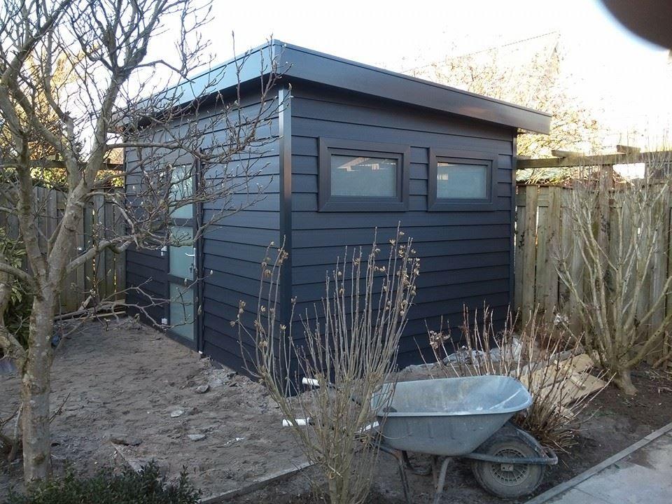 Plastic garden house placed in Tiel, size 420 x.300 cm, …