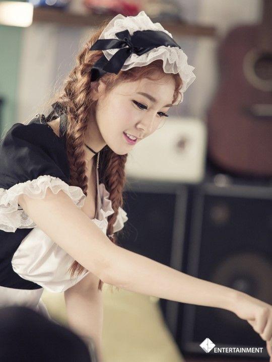 [연예스페셜] HOT! 방금 공개된 소나무의 '넘나 좋은 것' 뮤직비디오와 비하인드 스토리 대공개 :: 네이버 TV연예