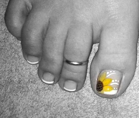 cute sunflower pedi. wedding