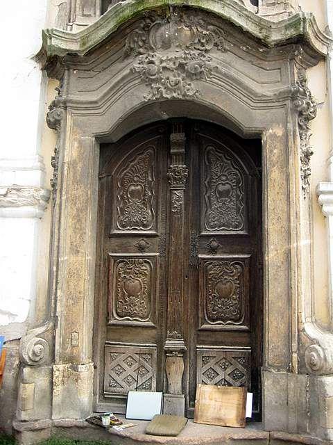Foyer Door Opener : Szentendre doors ornate door with artist s tools