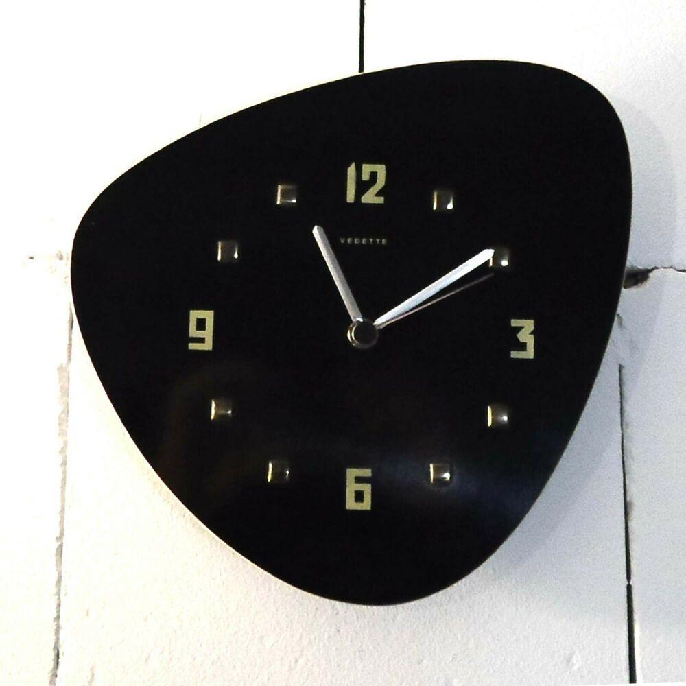 Vintage Vedette Wanduhr Mit Junghans Quartzwerk Nierenara 50er Jahre Wanduhr In 2020 Wanduhren Uhren Junghans