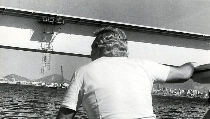 Em 1971, o ministro Andreazza se muda para canteiro de obras montado na Ilha do Fundão. O local oferecia alojamento para 2.500 pessoas. Foto: Arquivo/Ag. O Globo