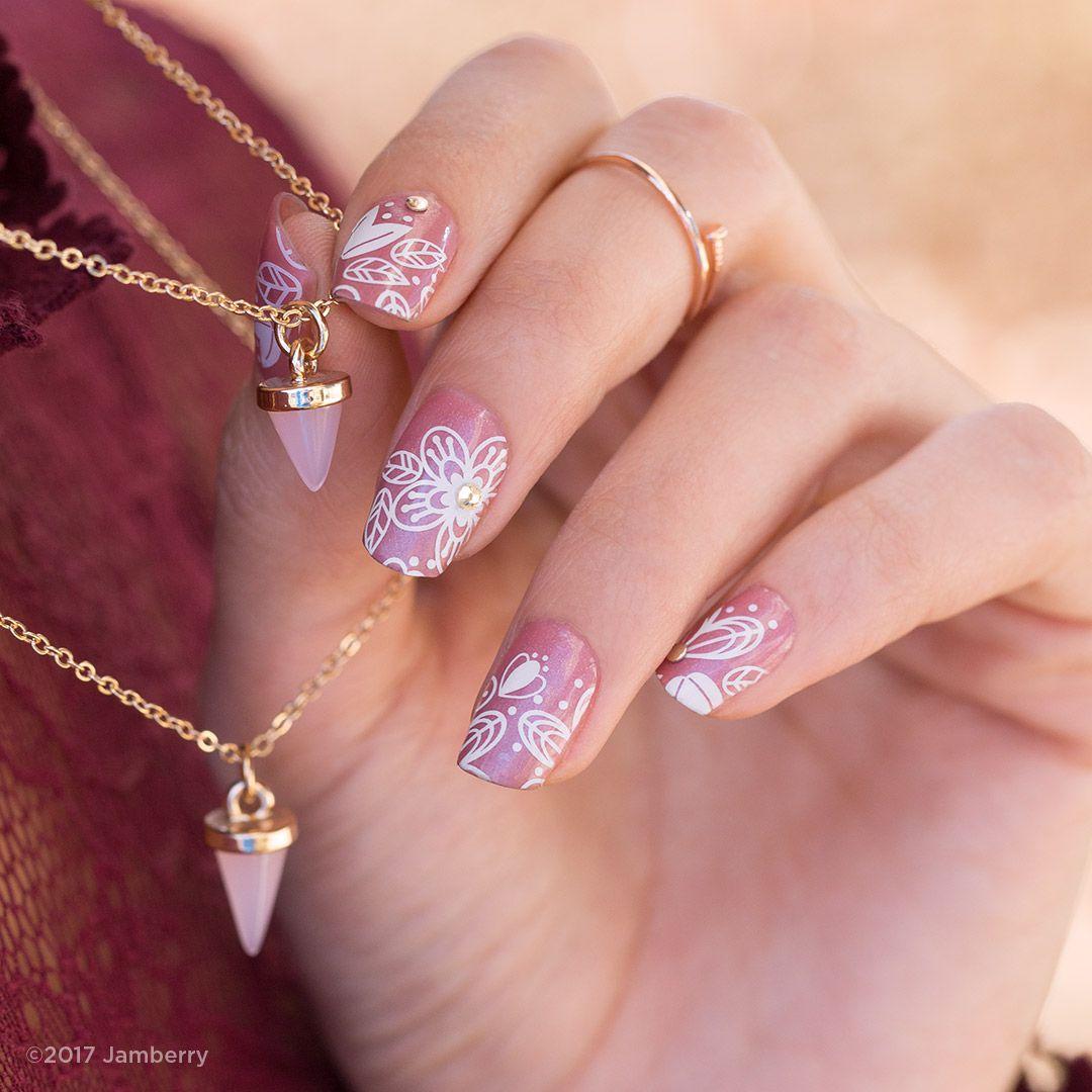 Cute summer nails! #designdimensionsjn #dreamingofyoujn # https ...