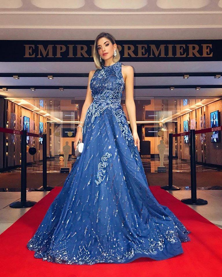 موديلات فساتين خطوبة مستوحاة من سينتيا صموئيل مجلة هي اشتهرت الممثلة اللبنانية سينتيا صموئيل مؤخرا على الساحة Fancy Dresses Long Formal Dresses Long Dresses