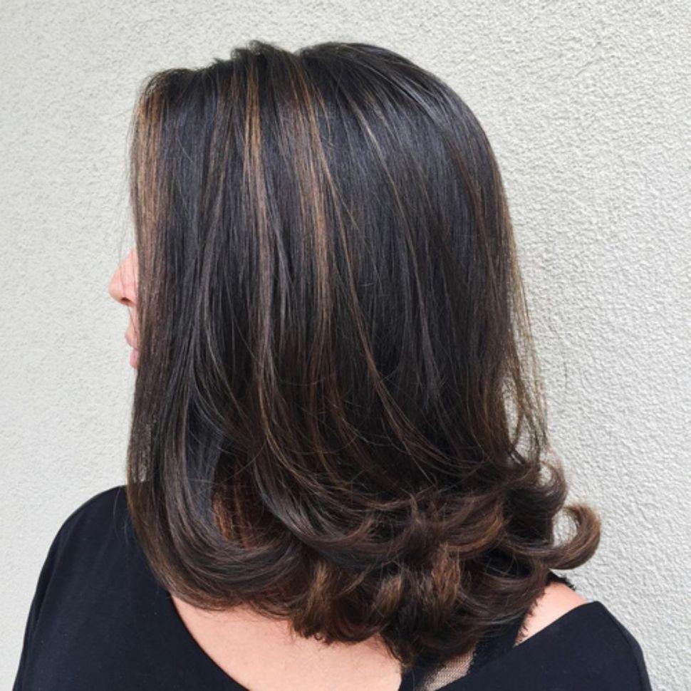 Medium Brunette Hairstyle With Flicks Straight Hairstyles Medium Hair Styles Fine Straight Hair