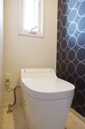 トイレの配線問題にようやくケリをつける トイレ 配線隠し 配線