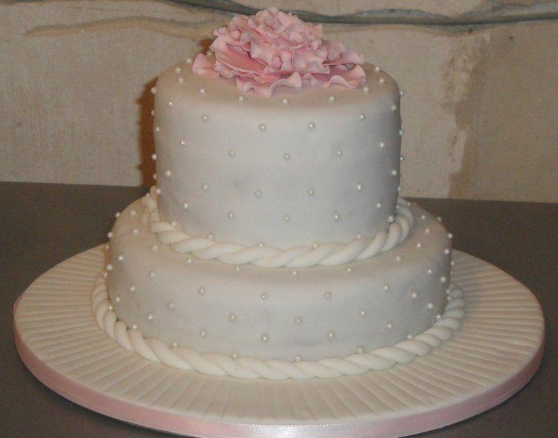 Pretty iced cake
