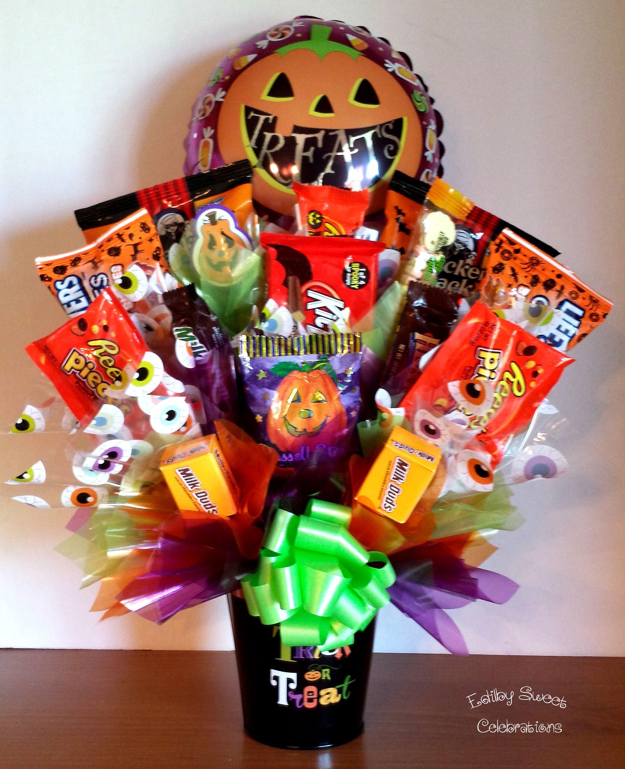 Halloween candy bouquet with balloon bouquet pinterest arreglos pastelitos de caramelo y - Decoracion con caramelo ...
