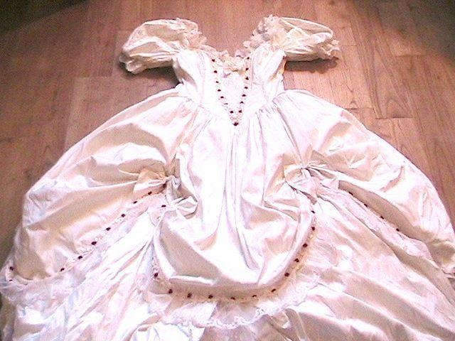 FRENCH BBQ WEDDING BRIDAL SCARLETT BONED SILK DRESS GOWN & ROSE BUDS - PERFECT-M #Handmade #Corset #Wedding
