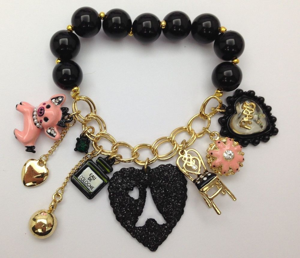 BETSEY JOHNSON  PIGGY Pig with Key Pearls Hearts Chair Bottle Bracelet So hot!