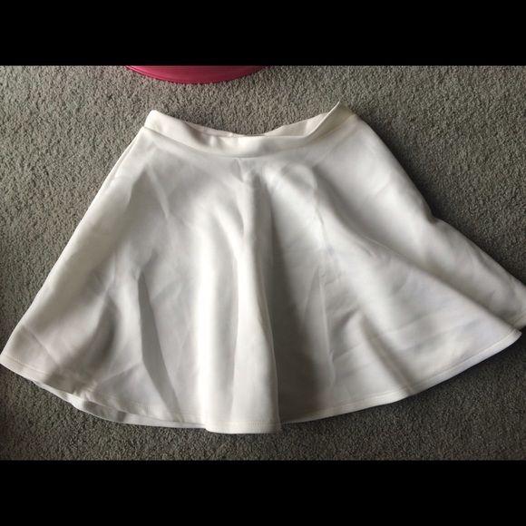 White Circle/Skater Skirt no stains, worn once Skirts Circle & Skater
