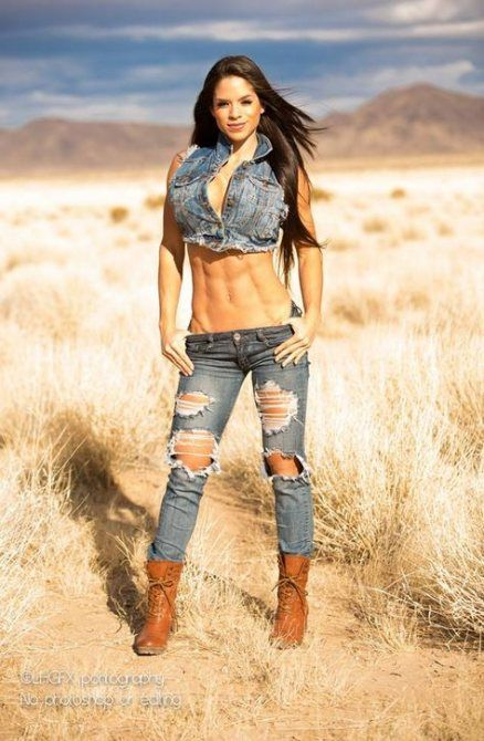 Best Fitness Model Poses Photography Michelle Lewin 54 Ideas #photography #fitness