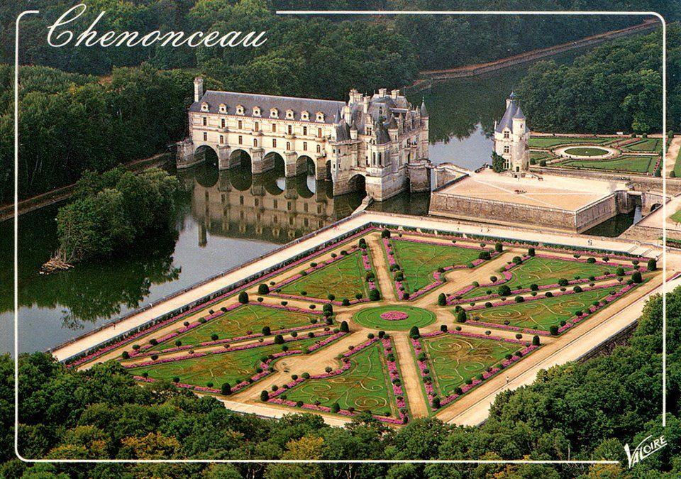 Catherine de Medici's maze garden at Chenoseau Chateau