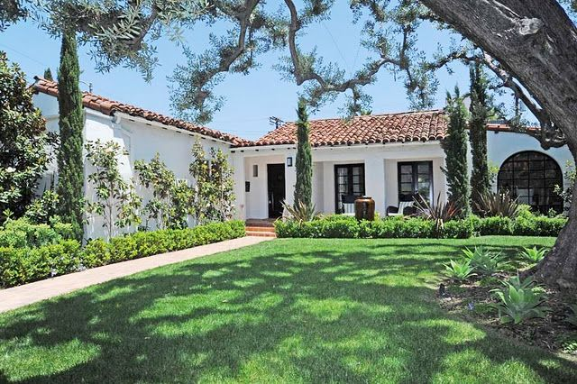 Like This Style Too Spanish Style Homes Spanish Exterior Spanish Style