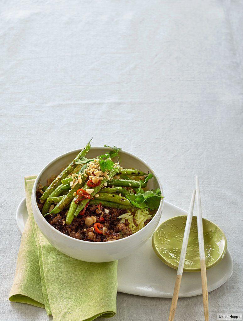 Gehackte Erdnüsse für den Crunch, Chili und Curry für die Schärfe - und schon geben sich grüne Bohnen herrlich asiatisch.