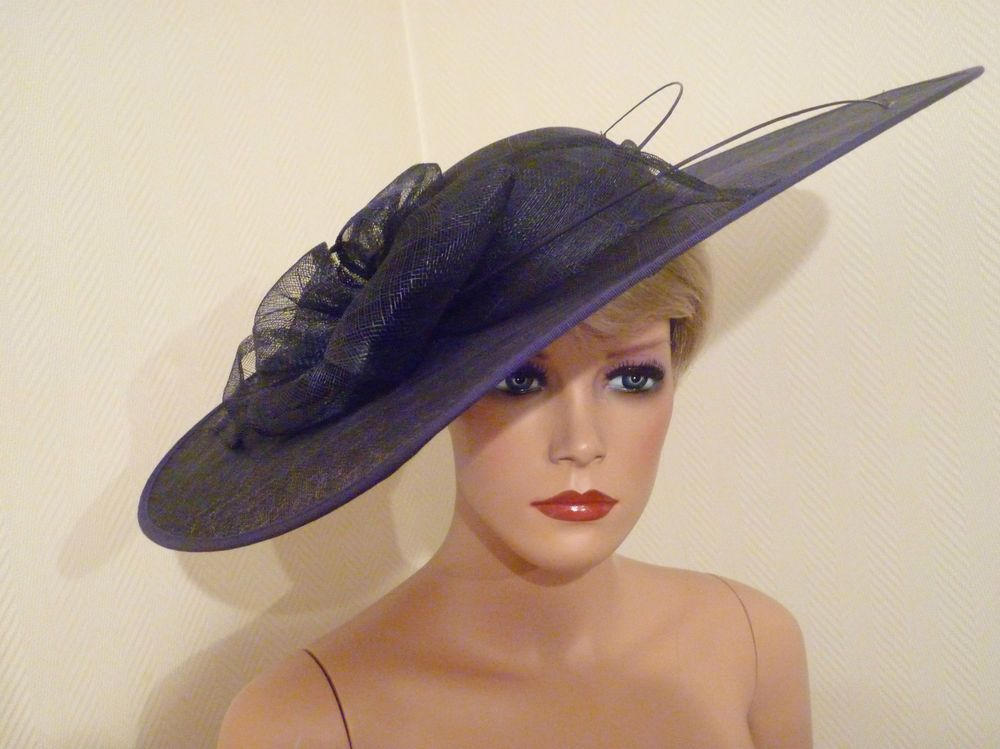 LADIES DAY NAVY BLUE LARGE SAUCER DISC FASCINATOR ROYAL ASCOT DERBY RACE HAT a74592626d1