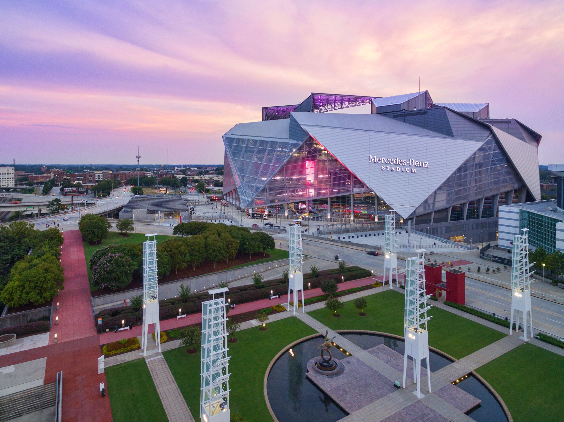 Mercedes Benz Stadium By Hok Stadium Architecture Stadium Design Atlanta Falcons Stadium
