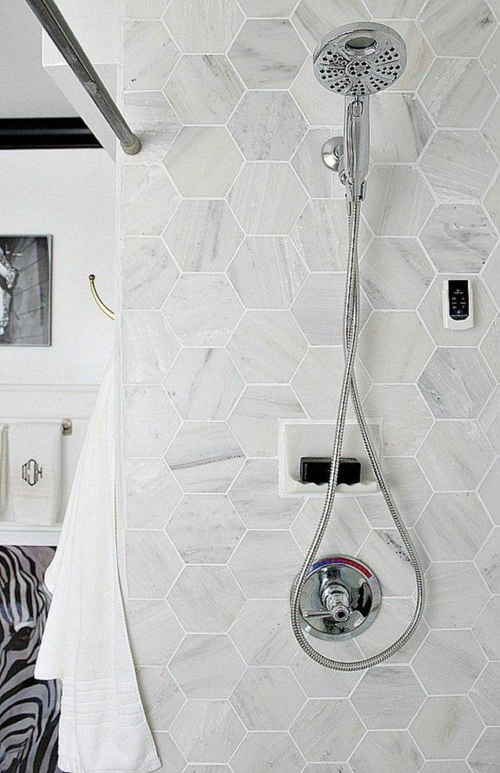 Le carrelage hexagonal une tendance qui fait son grand - Enlever calcaire carrelage salle de bain ...