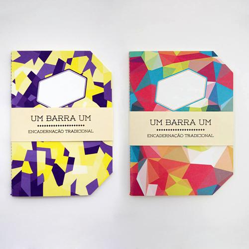 1/1 Cadernos feitos em encadernação tradicional, numa edição limitada a 50 exemplares por Daniel Mendes. Estes são os dois modelos disponíveis na Casa Ruim! http://casaruim.com/produto-etiqueta/11/