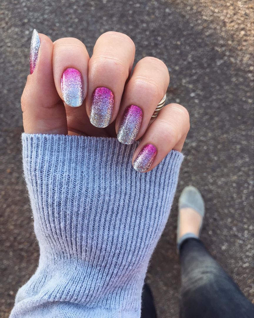 Get An Amazing Ombré Manicure In Pink And Silver In Just