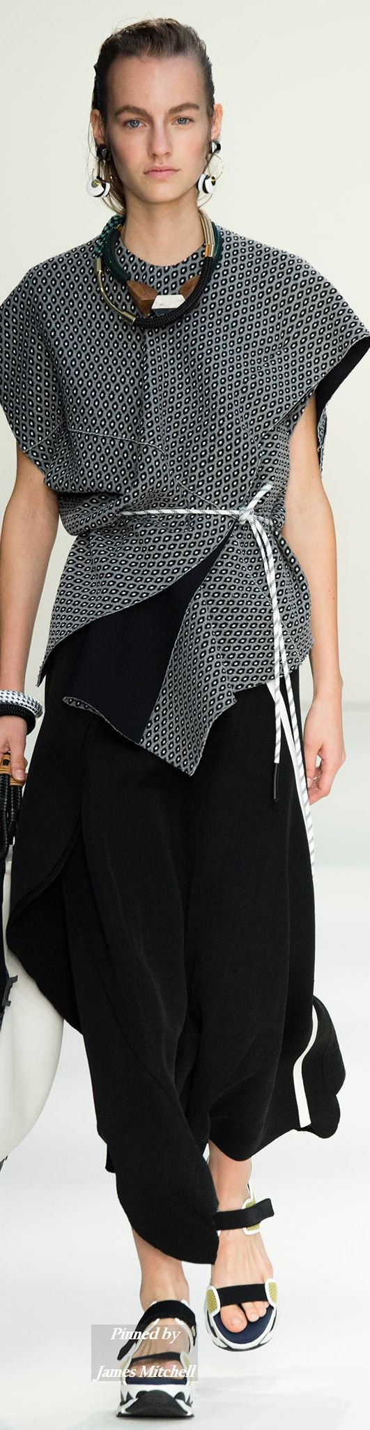 Marni Collection Spring 2015 Ready-to-Wear