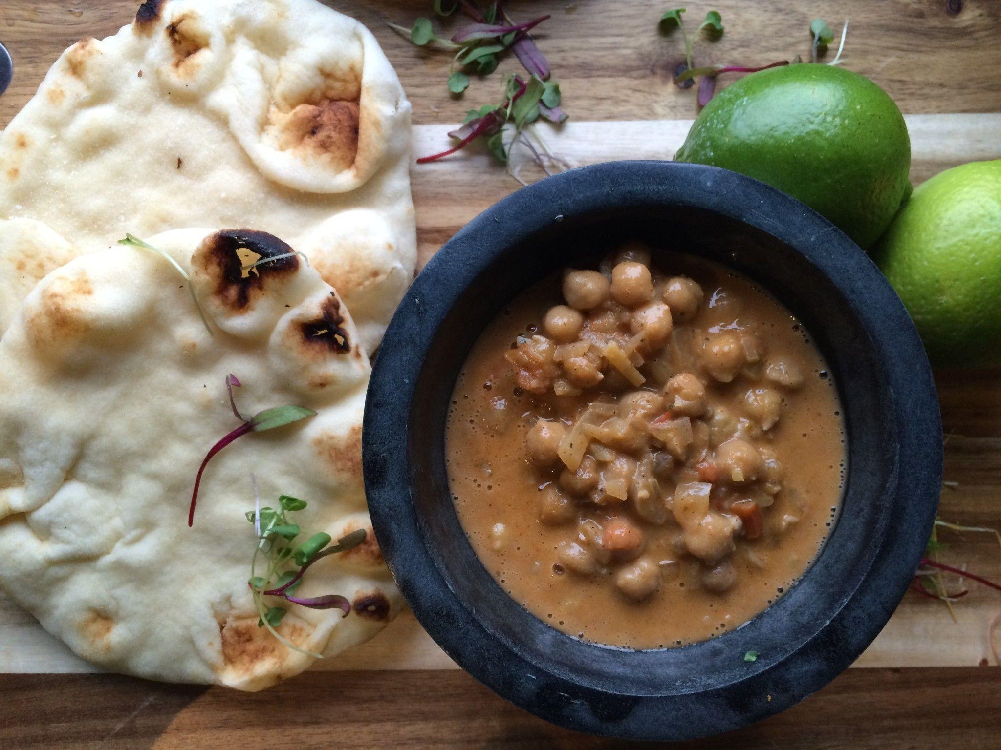 Chana masala chana masala indian street food and indian chana masala indian vegetarian recipesethnic forumfinder Images