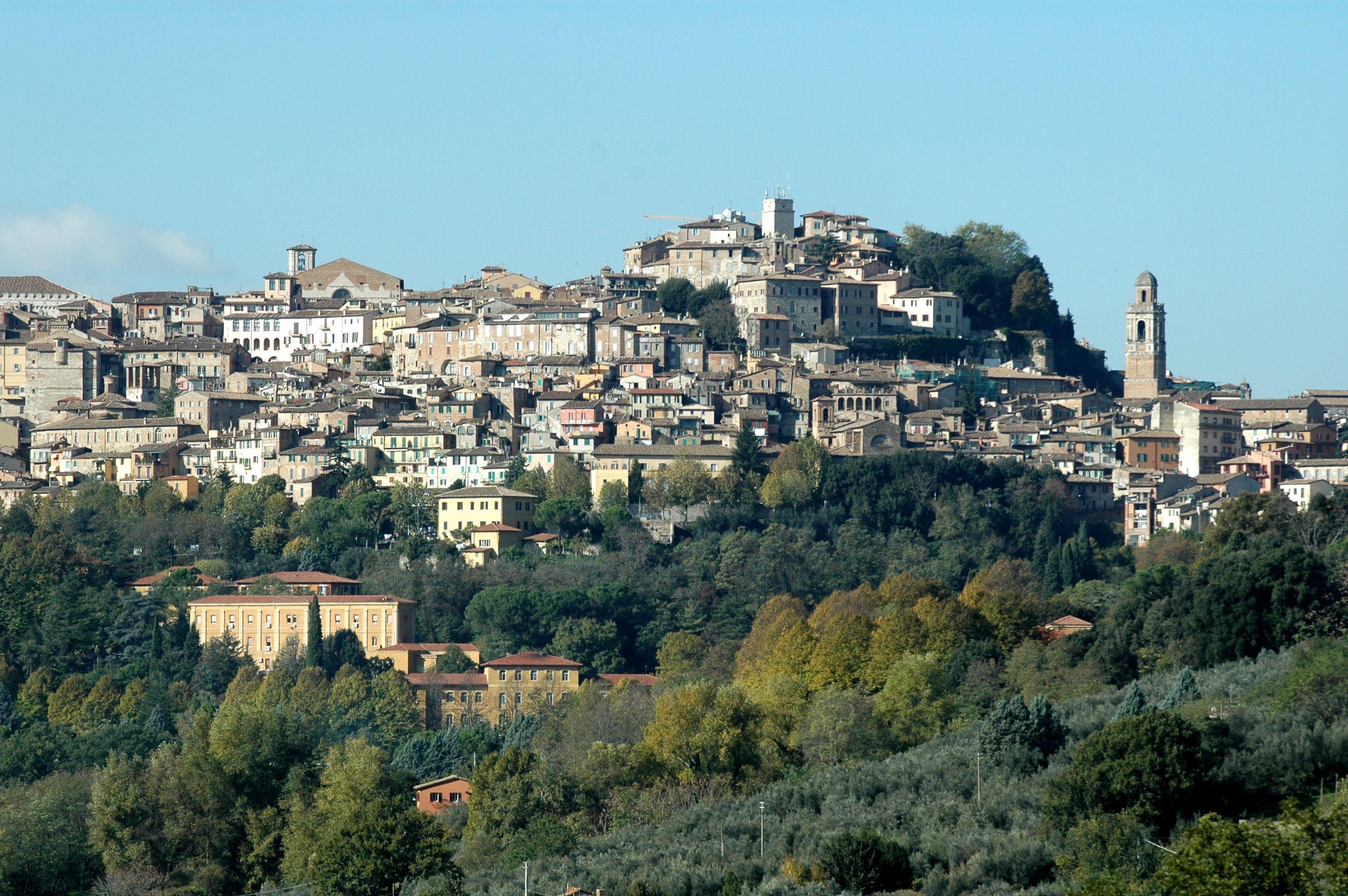 Onde Perugia Sente Freddo E Caldo Da Porta Sole Dante Par