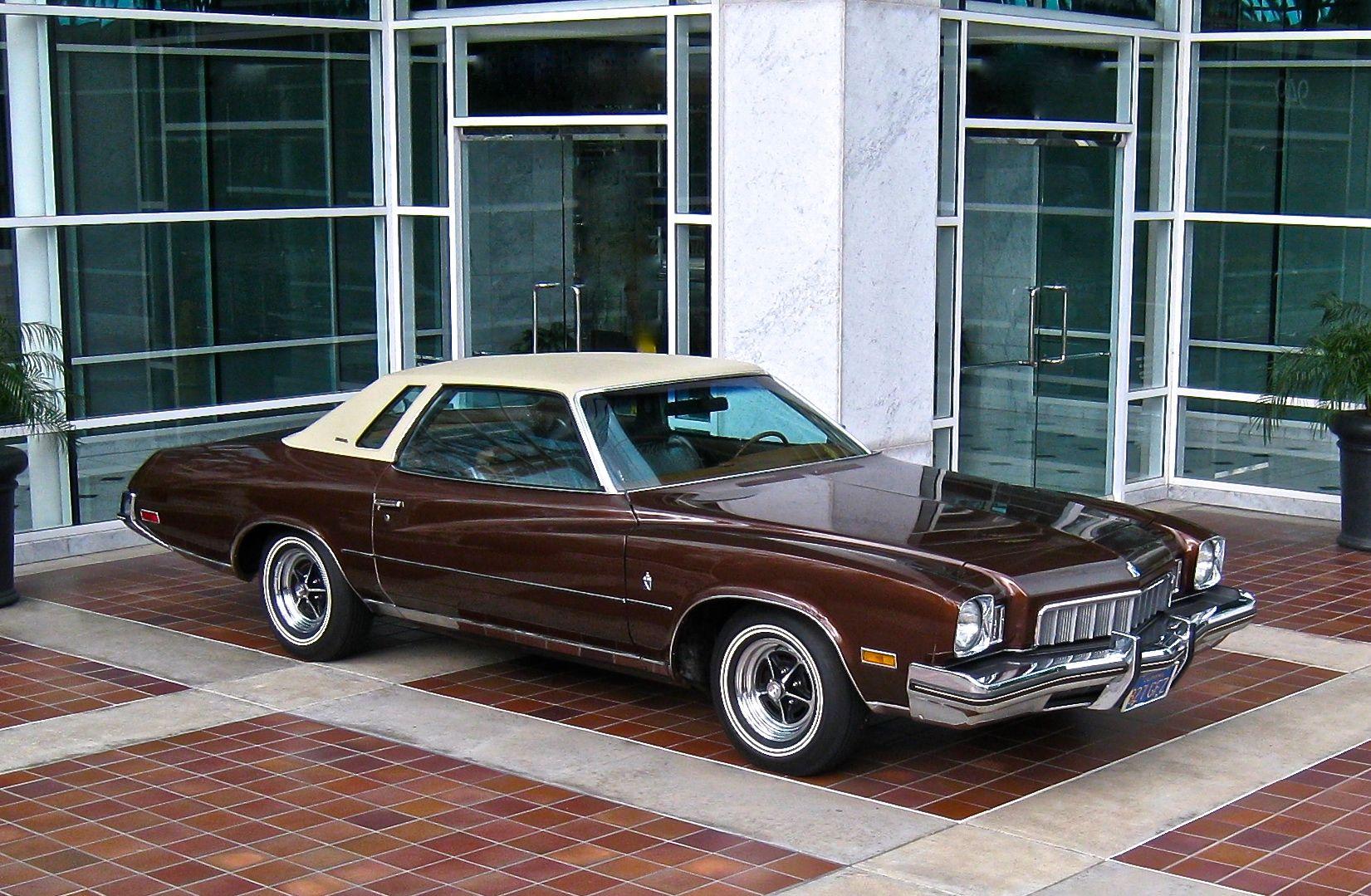 1968 buick electra 225 2 door hardtop front 3 4 81136 - 1973 Buick Regal
