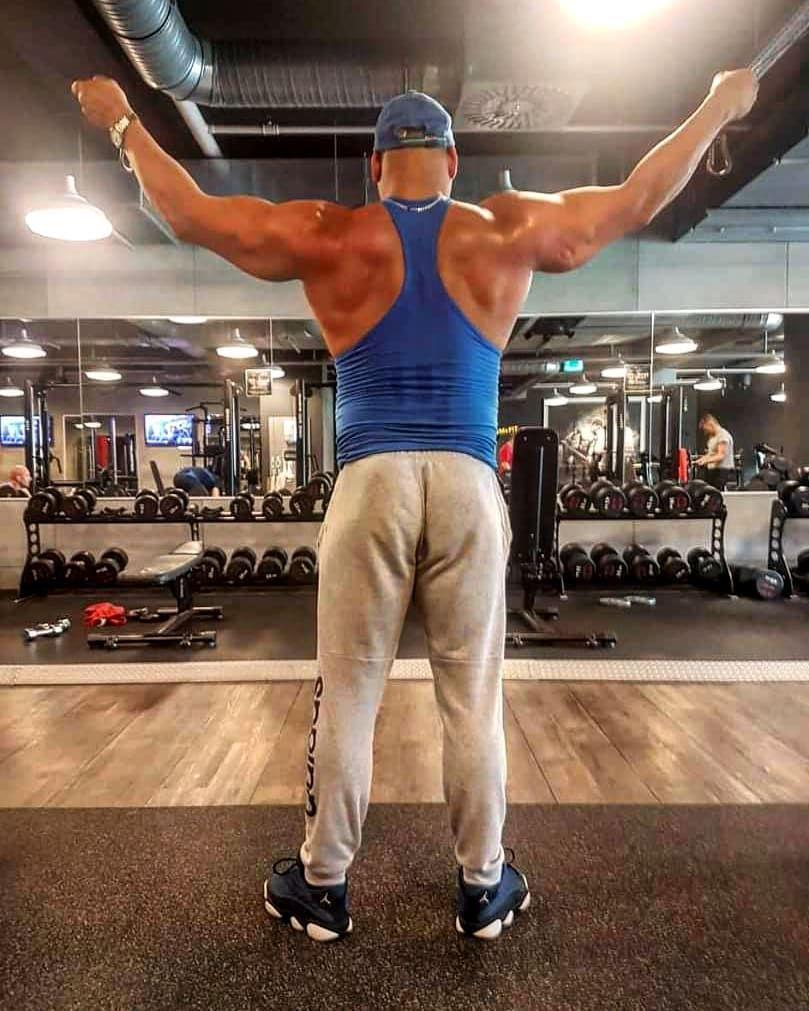 Fitnessaddict Bodybuilding Training Workout Mcfit Shape Exercise Jordans13 Motivation Determination Outfit Pumped Getbig Getfit Healthyfood H