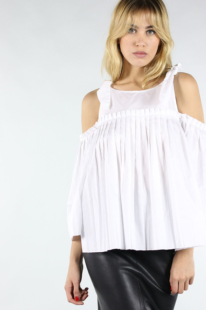 05466ce6df0f Shop Amber Pleat Top at Collective Request.