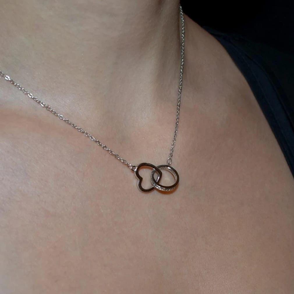 signification offrir un collier en argent